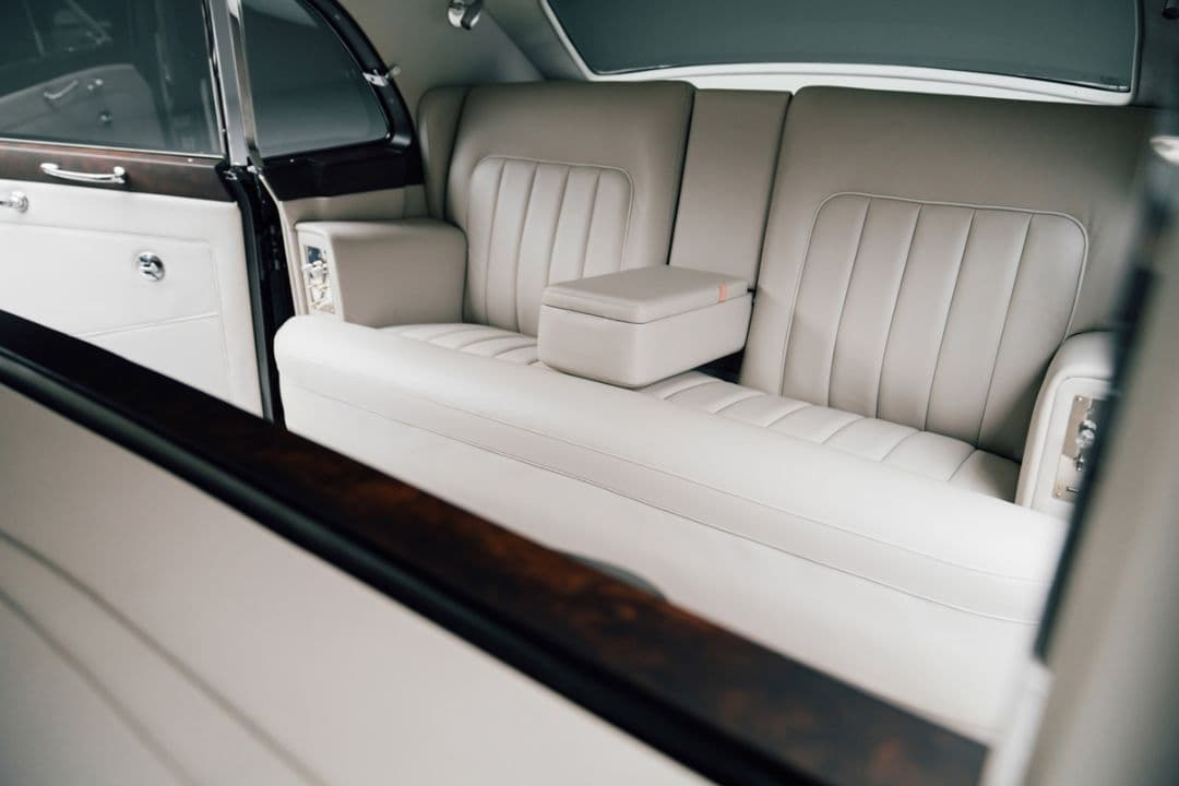 Rolls Royce Phantom V Electromod by Lunaz rear seats
