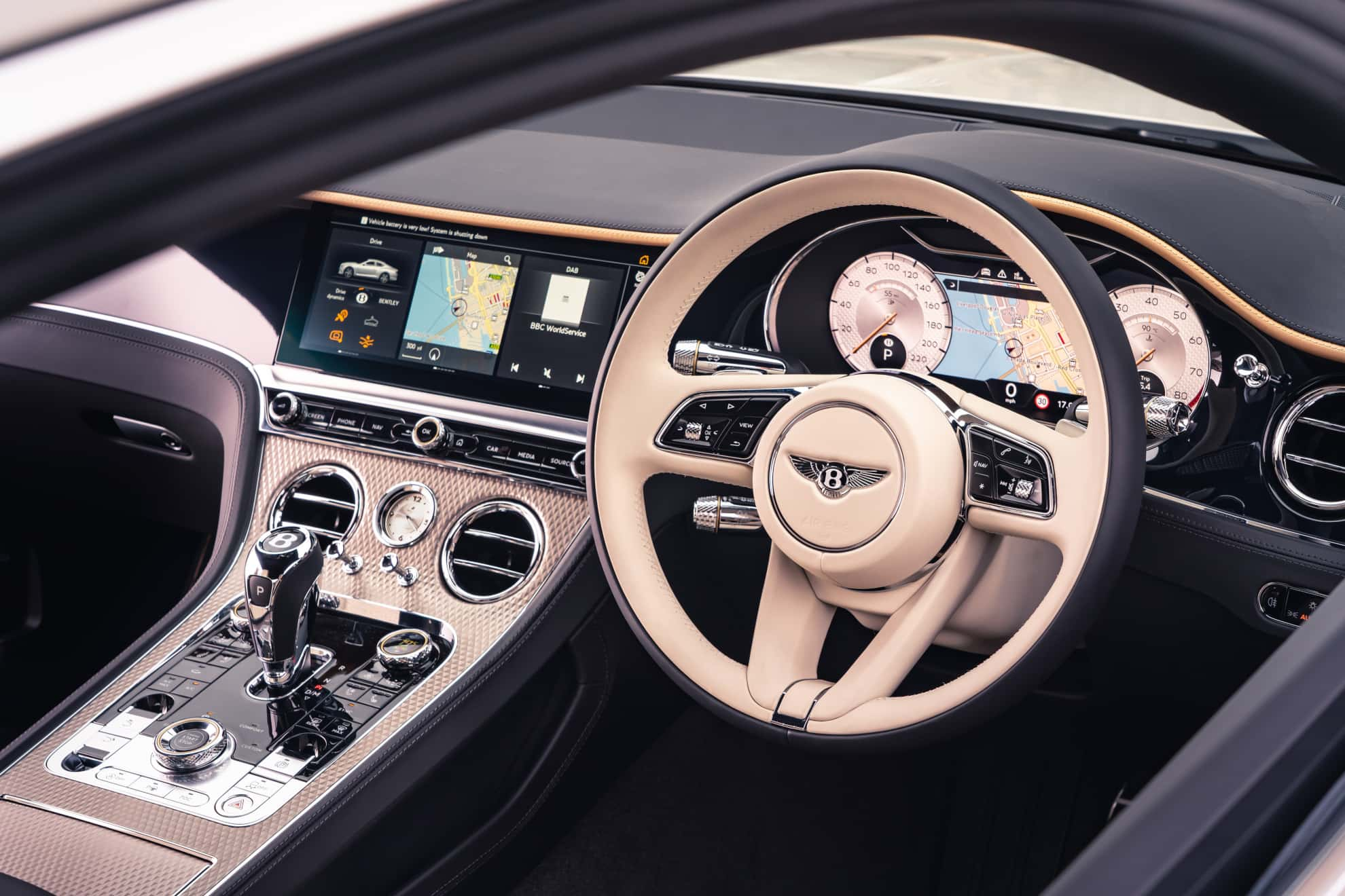 Bentley Continental GT Mulliner Coupe cockpit