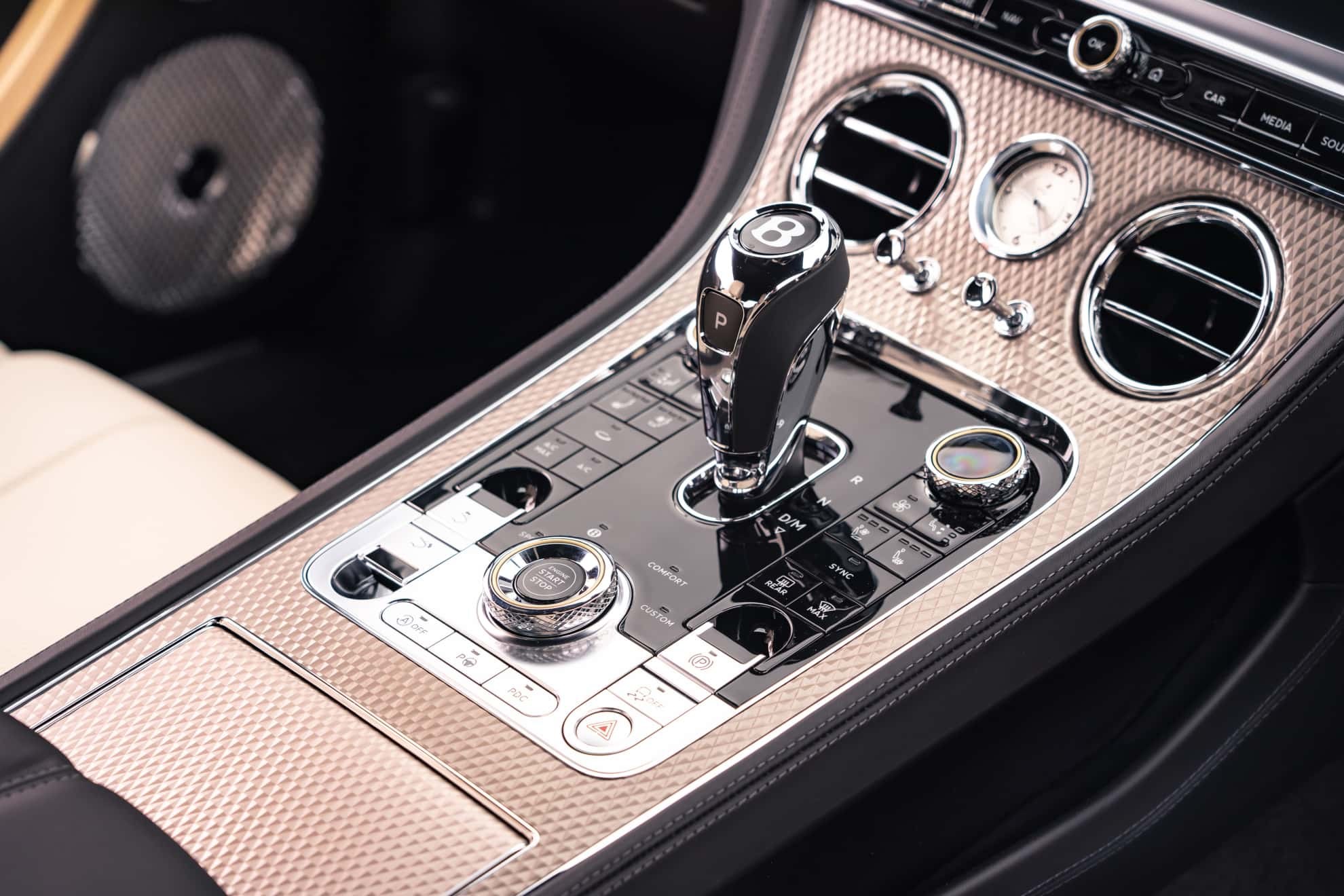 Bentley Continental GT Mulliner Coupe lever