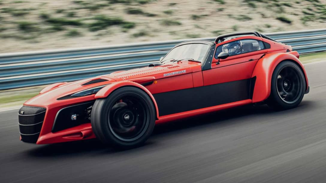 Donkervoort D8 GTO-JD70 R Front three quarter
