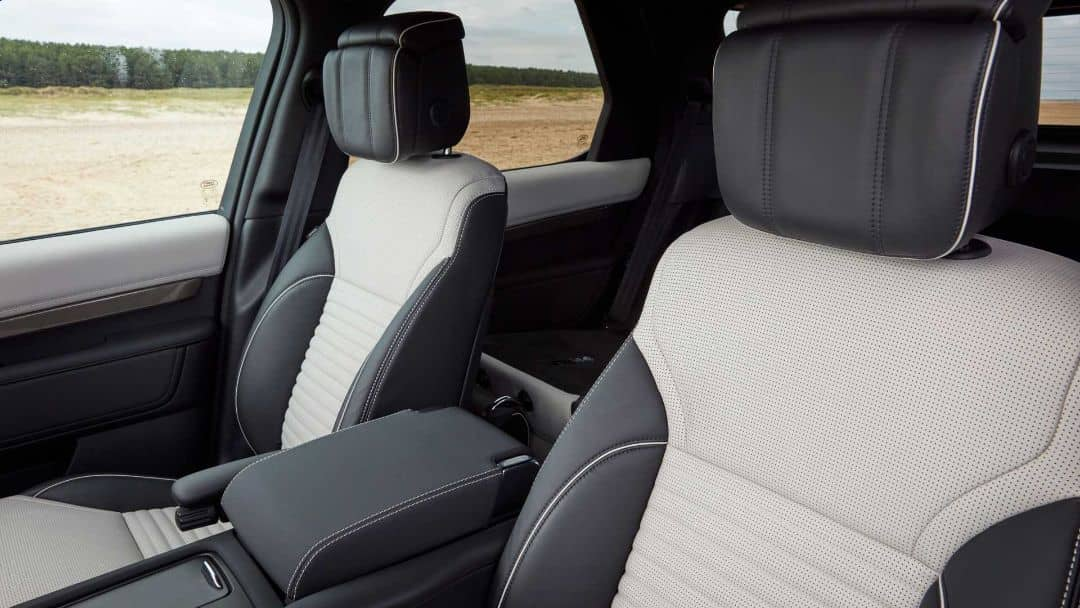 Land Rover Discovery 2021 Seats