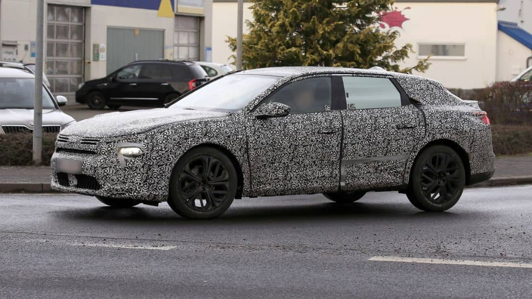 Citroen C5 Successor Spyshot Side Front