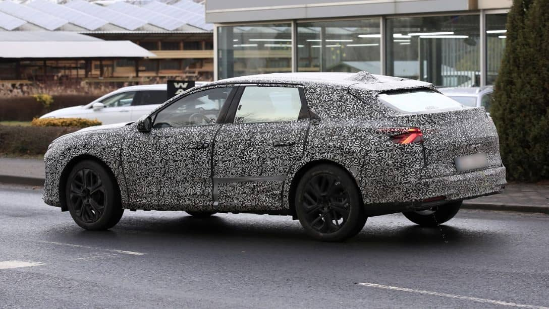 Citroen C5 Successor Spyshot Side Rear