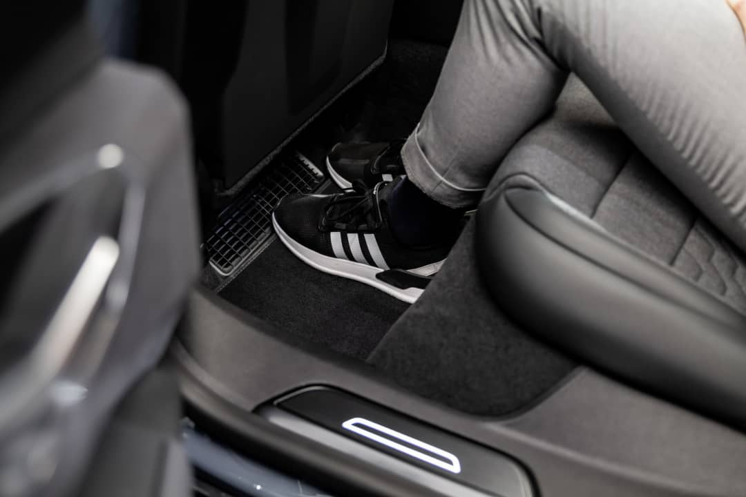Audi e-tron GT Rear foot space