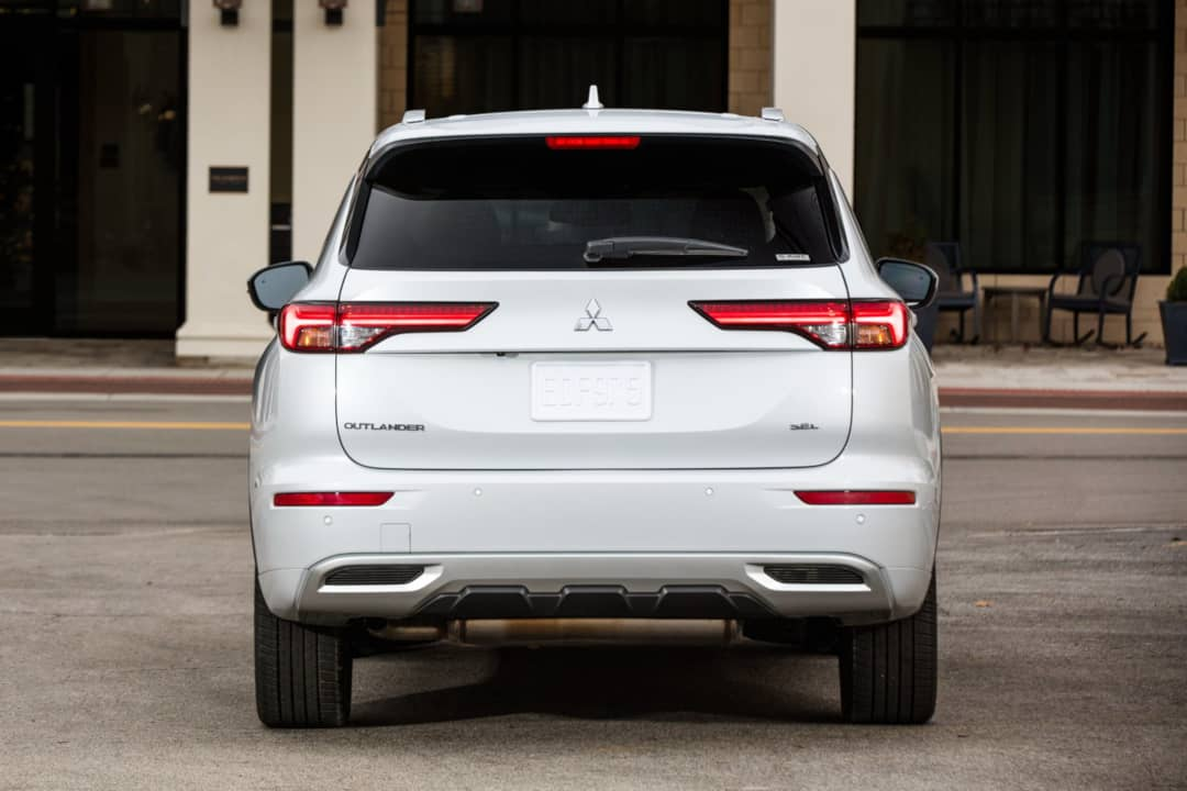 Mitsubishi Outlander 2021 Rear