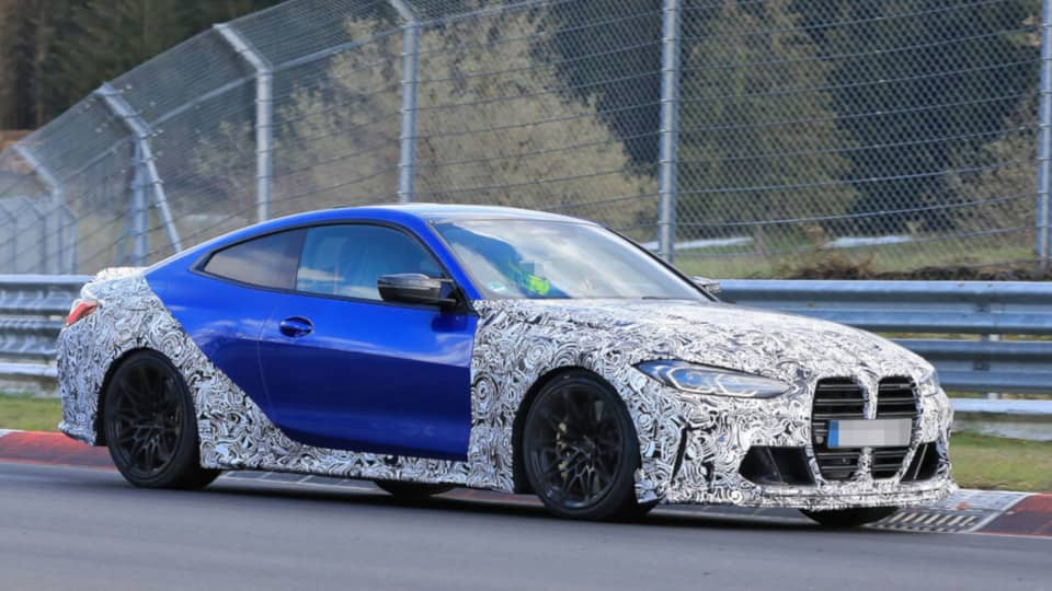 BMW M4 CSL Spyshot Front three quarter