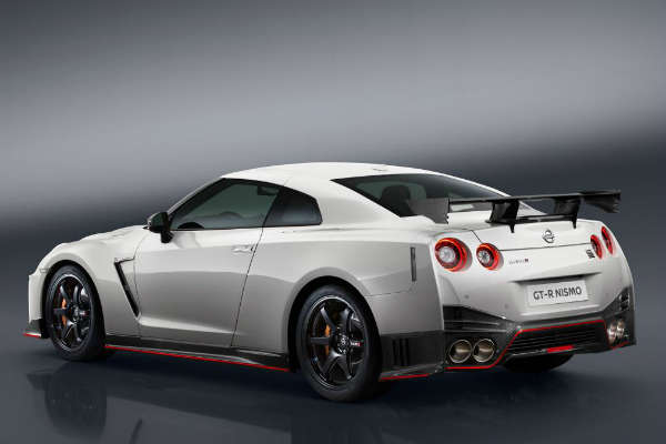 GT-R NISMO_MY16_リア