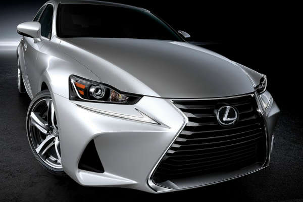 Lexus_IS_MY2017_front