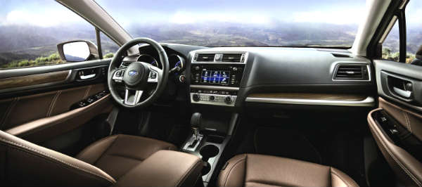 Subaru_Outback_MY2017_interior