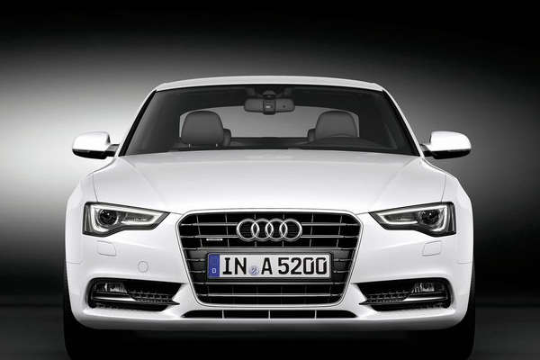 Audi_A5_front_MY2012