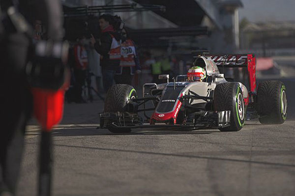 F1_2016_BarsaTest2nd_day1_Haas