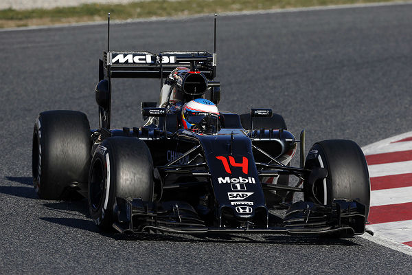 F1_2016_BarsaTest2nd_day1_McLaren_02